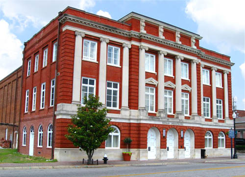 Dothan Opera House, Dothan,Alabama. Photo source: http://pics4city-data.com